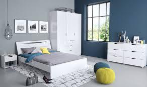 home affaire kleiderschrank â lettyâ mit einer schã nen hochglanz optik front mit schubkã sten breite 153 cm kaufen hinged doors wardrobes