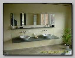 spritzschutz im badezimmer hinter den waschtischen bad03