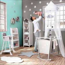 chambre bébé mansardée chambre bb mansarde emejing idee chambre bebe