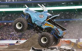 100 Shark Wreak Monster Truck JDs Jam Tracker