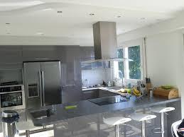 cuisine faux plafond faux plafond et cuisine en u laquée gris brillant à dieppe