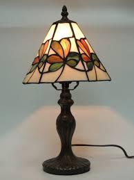 Tiffany Style Lamp Shades by Tiffany Style Shamrock Memory Lamp