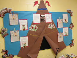 Kindergarten Thanksgiving Door Decorations by Best 25 November Bulletin Boards Ideas On Pinterest