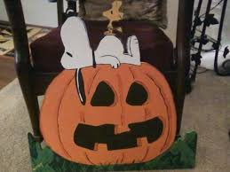 Snoopy Halloween Pumpkin Carving by 35 Best Christmas Snoopy U0026 Charlie Brown Images On Pinterest