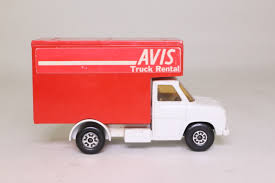 100 Avis Truck Rental One Way Matchbox SuperKings K292 Ford A Luton Van White Cab
