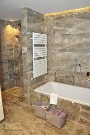 familiensuite im parterre des neubaus badezimmer bad