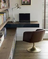 bureau bibliothèque intégré designs uniques de bureau suspendu bureau flottant bureau et