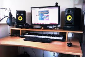 HOW TO BUILD A CHEAP AND EFFICIENT HOME STUDIO