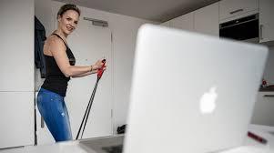 kostenlose fitness angebote fürs wohnzimmer sport neckar