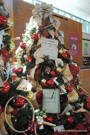 From Its Musical Note Bow At The Top To Classical Scores Fans Made Sheet Music And Instruments Substituting Traditional Ornaments This Tree