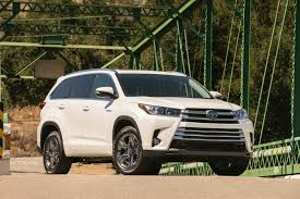 2013 Toyota Highlander Captains Chairs by 2017 Toyota Highlander Features Review The Car Connection