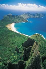 photos des iles marquises vue aérienne sur la baie de haatuatua à nuku hiva iles marquises