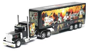 Amazon.com: New-Ray Toys (CA) 1:32 Peterbilt 379 Homiezombies Truck ...