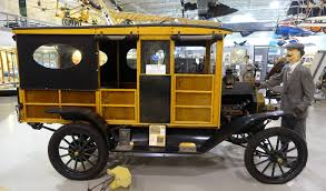 File:Ford Model T Station Wagon, 1914 - Hiller Aviation Museum - San ...