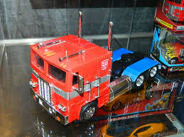 Jada Toys Metals Die-Cast 1:16 G1 Optimus Prime & Hollywood Rides 1 ...