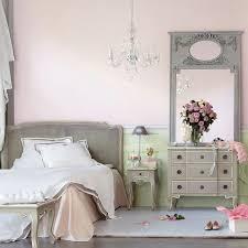 réaliser une chambre style boudoir féminin