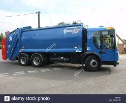 Garbage Truck Uk Stock Photos & Garbage Truck Uk Stock Images - Alamy