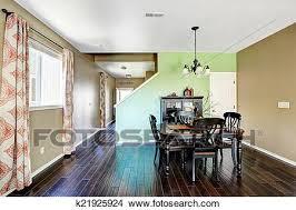 esszimmer mit beige und grün farbe wände bild