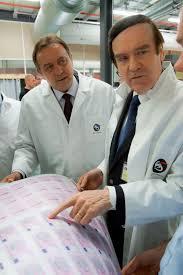 douai bureaux services le préfet visite le site de production de l imprimerie nationale à