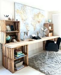 fabriquer un bureau en bois plan de bureau en bois bureau blanc dangle avec piactement en bois