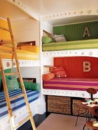 Great Built In Bunk Room For Kids Idea A Small Vacation House With Lots Of Children