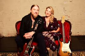 100 Derek Trucks Wife Tedeschi Band Detail New Album Signs Rolling Stone