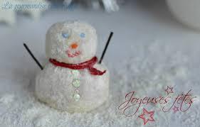 bonhomme de neige en chocolat blanc noël la gourmandise selon