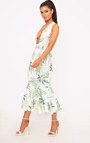 plunge dresses v neck low u0026 deep plunge prettylittlething usa