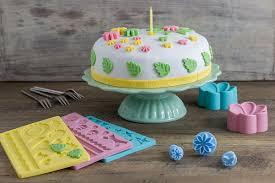 selbstgemachte fondant torte in pastellfarben depot