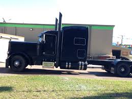Extended Hood For Sale | New Car Update 2020 The Classic 379 Peterbilt Photo Collection You Have To See Custom Trucks 2018 389 300 Stand Up Sleeper Under Drop Lighting Clint Moore For Sale Peterbilt Retruck Australia Usa Day Cab For 387 Tlg 1994 Peterbilt Custom Youtube Used Ari Legacy Sleepers