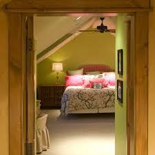 Brilliant Bedroom Decor Rules To Break L Intended