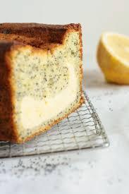 zitronenkuchen mit mohn mit käsekuchen füllung