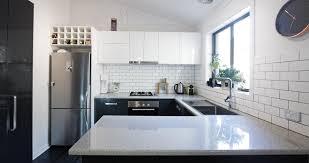 plan de travail cuisine sur mesure plan de travail en quartz ardoise granit une cuisine