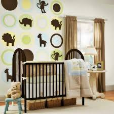 décoration jungle chambre bébé chambre enfant chambre bébé mixte déco animaux jungle chambre de