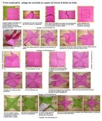 serviette de noel en papier pliage de serviette de table en forme d étoile etoile en papier