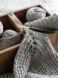 diy gehäkelter teppich aus textilgarn mxliving