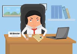bureau des ressources humaines le directeur de ressources humaines s assied au bureau dans le