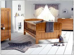 chambre bébé bois naturel chambre chambre bébé evolutif élégant chambre en bois naturel de