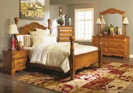 Badcock Bedroom Sets by Sugar Palm Honey Pine 5 Pc Queen Bedroom Badcock Home Furniture