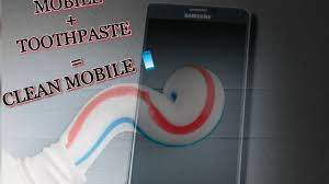 How to Clean your Mobile screen with Toothpaste