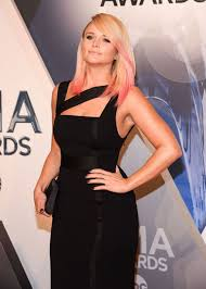 Miranda Lambert Bathroom Sink 2015 Cma Awards by Blake Who Inside Miranda Lambert U0027s Wild Birthday Celebrations