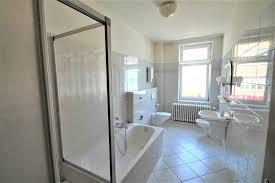 2 5 zimmer altbauwohnung mit großem badezimmer