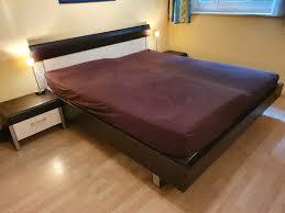 schlafzimmermöbel schick und zeitlos bett kommode nachttische
