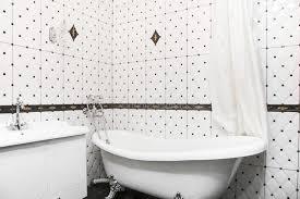 badezimmerinnenraum in der decoart klassisches