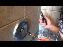 Fix Leaking Bathtub Faucet Delta by Best 25 Shower Faucet Repair Ideas On Pinterest Shower
