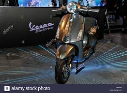 08th Nov 2016 New Model Of Piaggio Vespa Electric At The 74th EICMA International Motorcycle Exhibition Credit Gaetano Piazzolla Pacific Press Alamy Live
