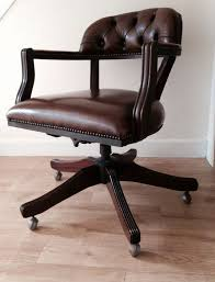 chaise de bureau chesterfield chaise de bureau style chesterfield the court swivel chair catawiki