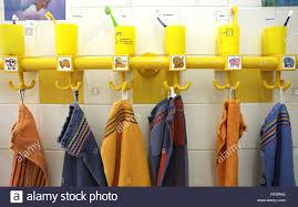 badezimmer handtücher kinder stockfotos und bilder kaufen