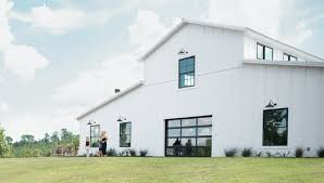 100 Barn Conversions To Homes This Home Looks Like A But Has Enough Room To Be A