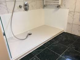 aus ihrer alten badewanne wird ein geräumiges duschvergnü